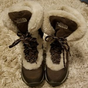 THE NORTH FACE NUPTSE WINTER BOOTS